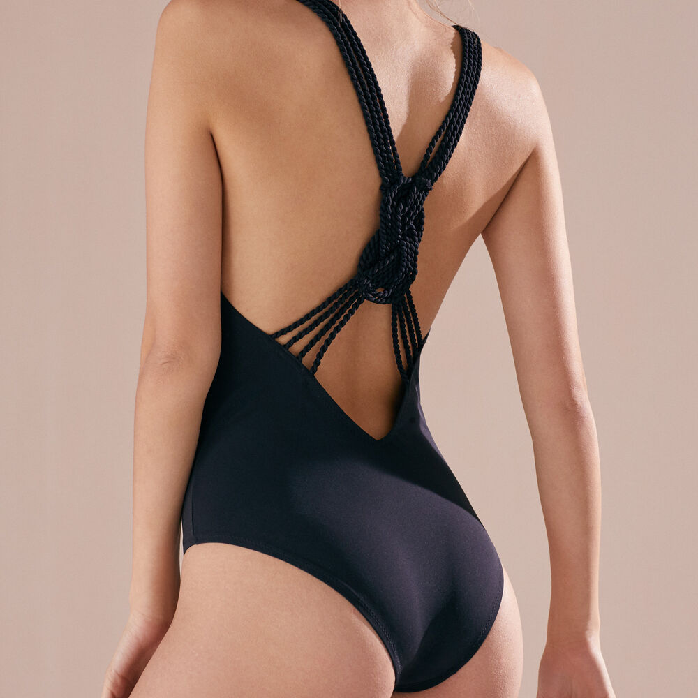 One piece livystone black.