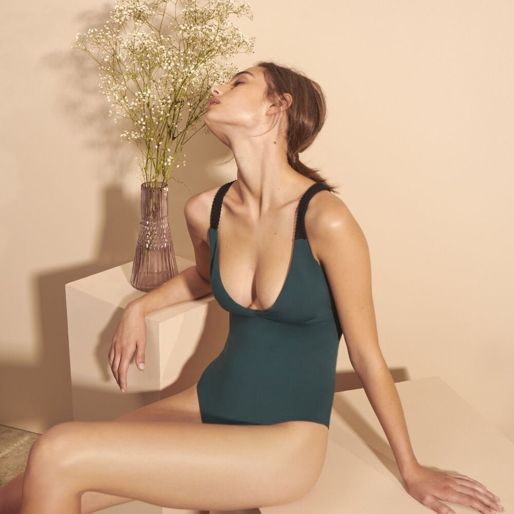 One piece livystone deep green.