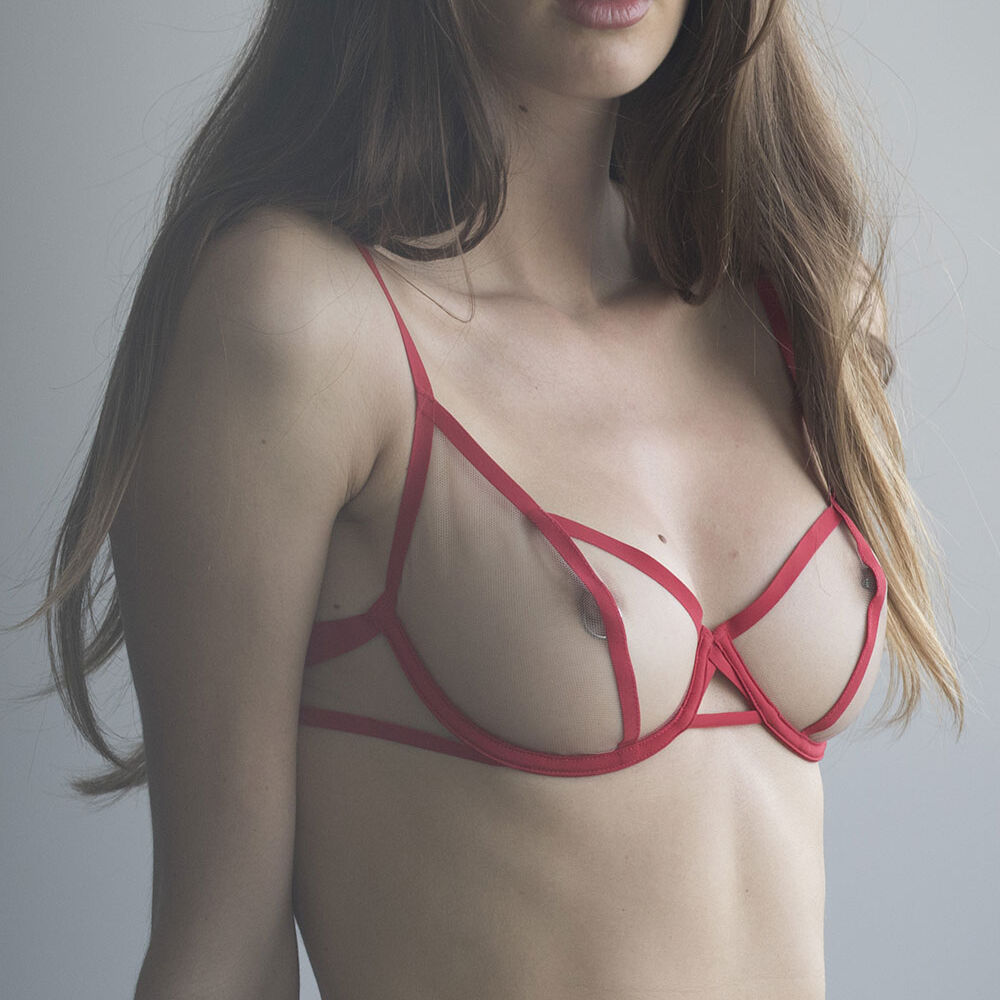 Balcony bra red.