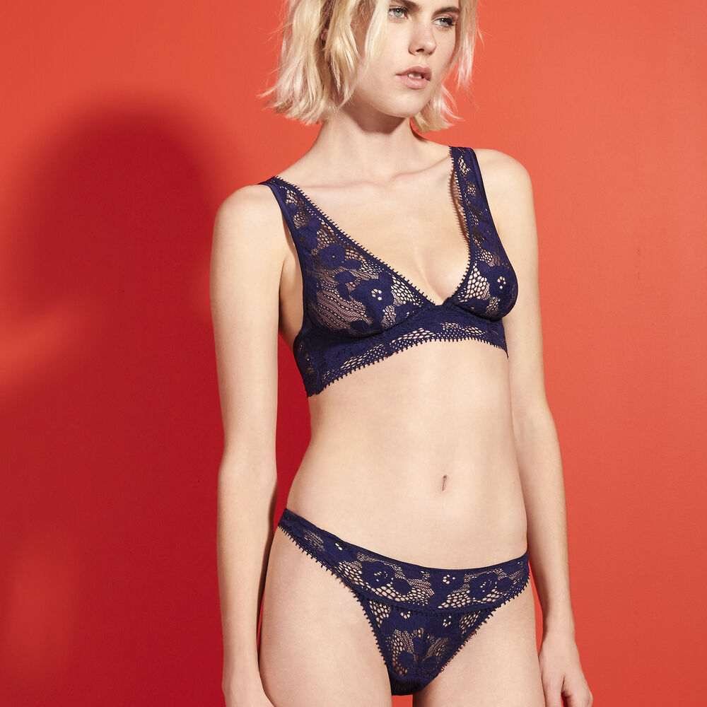 Wire bra midnight navy.