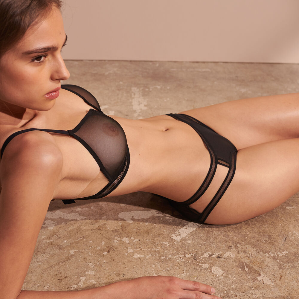 Brief black.